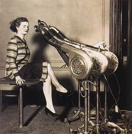 Before the 1920s woman used vacuums to dry their hair. How?
