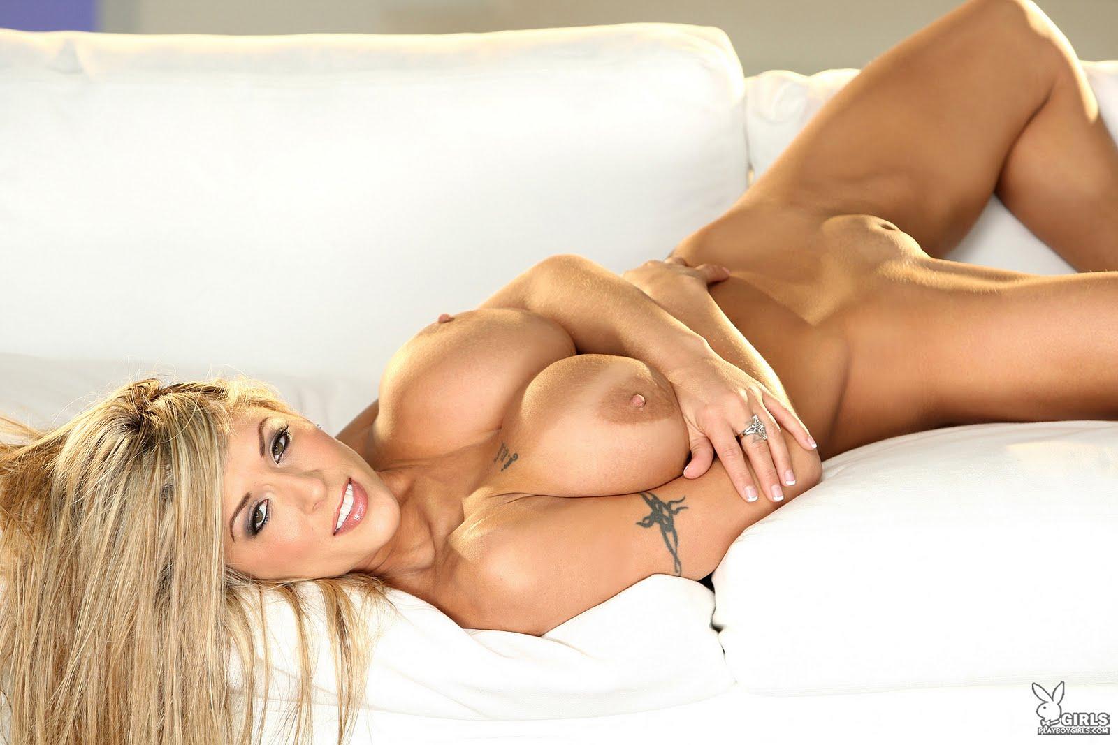 Valerie Cormier Nude