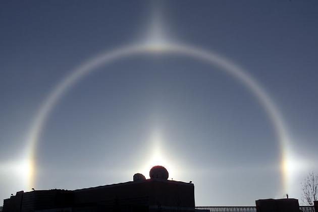 [sundogs+and+solstice.JPG]