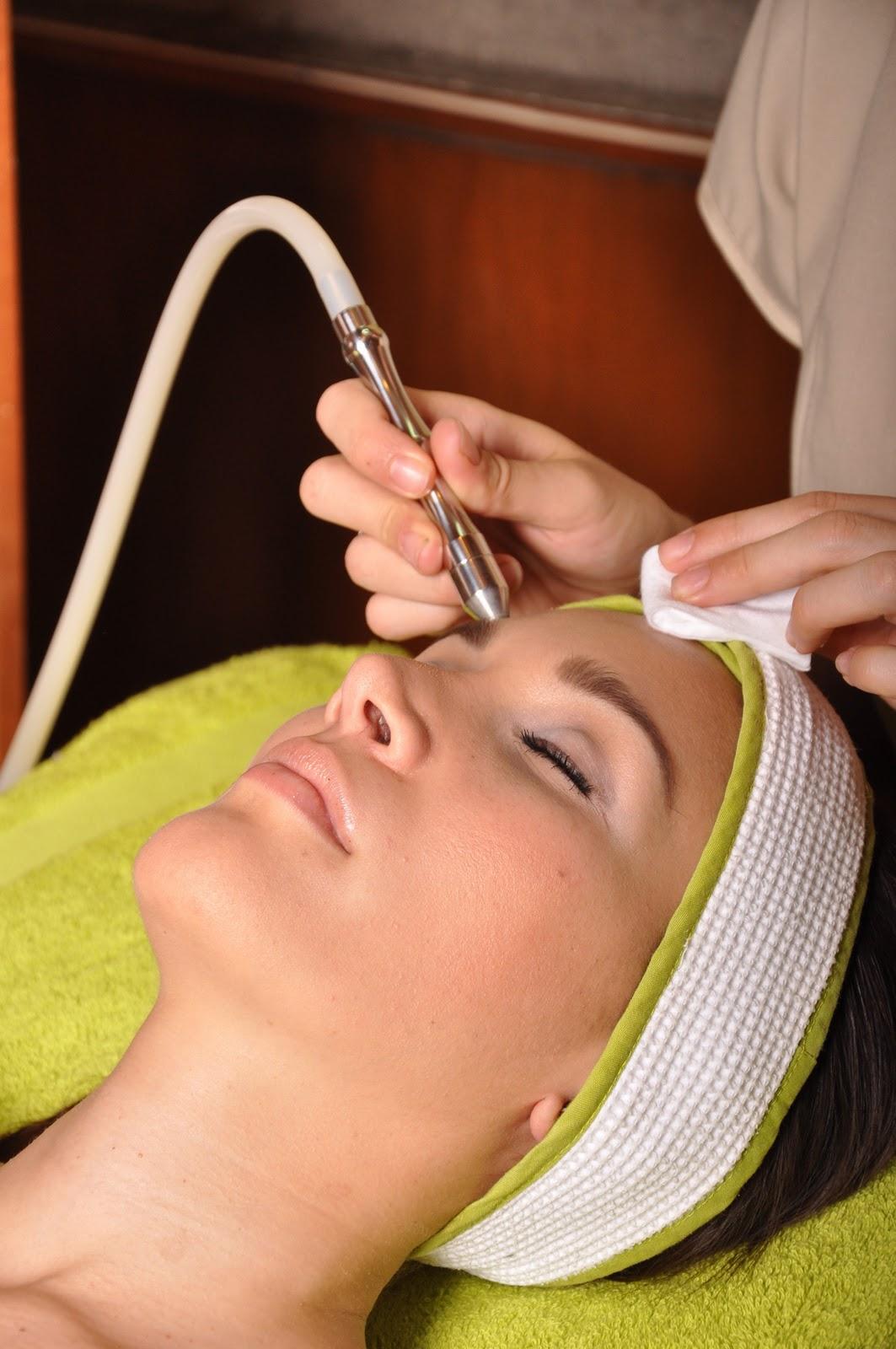 Ashena spa faciales for Salon 7 puntas corrientes