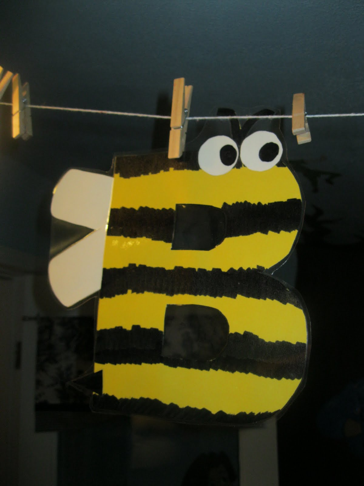 Letter B Art Projects for Preschoolers - The Measured Mom