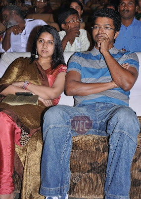Tamil actor Vijay family photos, super star vijay photos. Vijay with ...