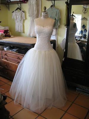 Hawaiian Dress on Wedding Dress  Wedding Dress With Hawaiian Concept