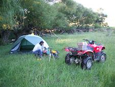 Haciendo campamento en la Pampa de Pocho