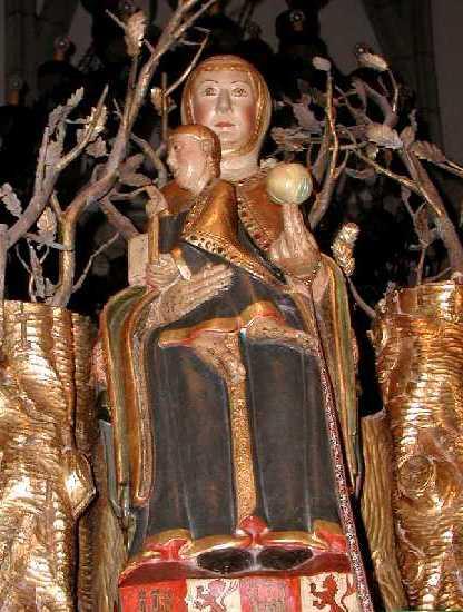 áspero Virgen trajes en Logroño