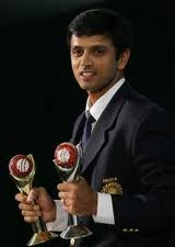 Rahul Dravid should be in the Indian Squad for WC2011.