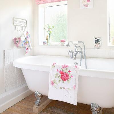 Belle maison inspiration 101 bathroom decor for Living etc bathroom ideas