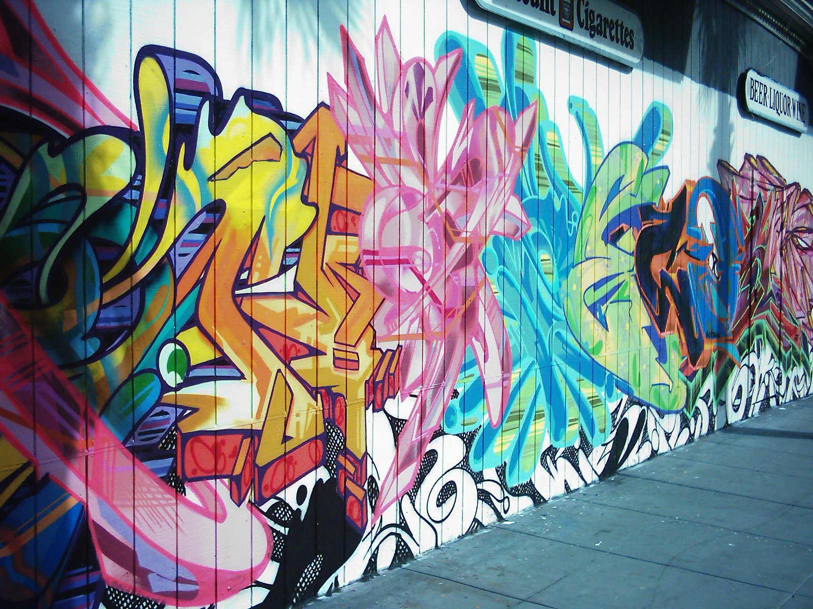 http://3.bp.blogspot.com/_Jx0sqzELZiE/TIiwJVPzw_I/AAAAAAAAAHI/EEvrteR5Jxg/s1600/Graffiti%252B(12).jpg