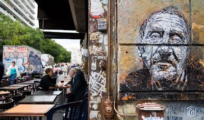 graffiti stencil,paris graffiti