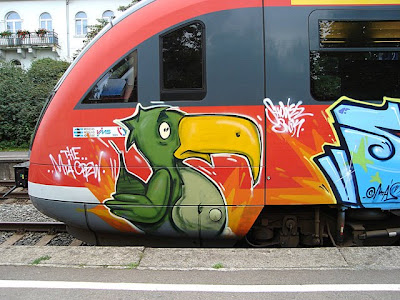 graffiti animals, graffiti bird, subway graffiti