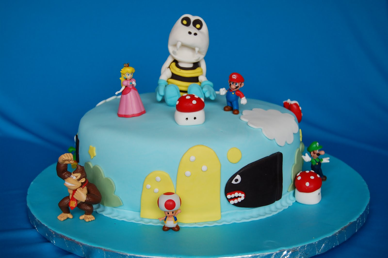 CUSTOMISED CAKES BY JEN Super Mario Bros Cake
