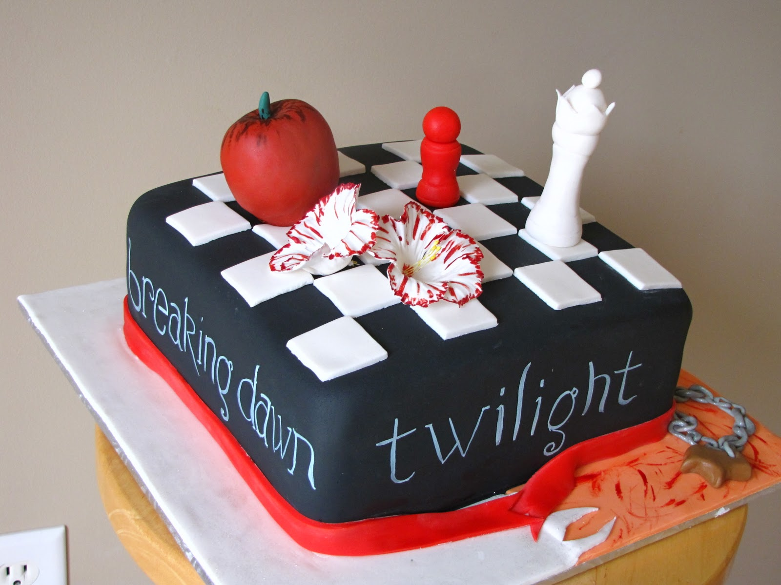 Ann Maries Creative Cakes Twilight Cake