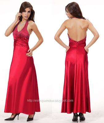 рокля с декорация от кристали