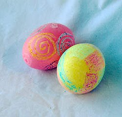 Декорация на великденски яйца с пастели