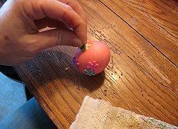 Яйца със стикери за Великден
