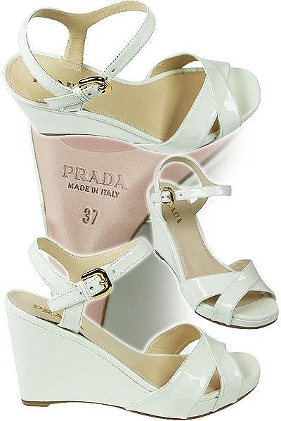 лачени сандали Prada