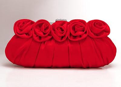 малка червена чантичка