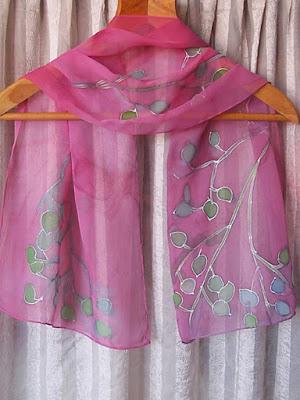 розов ръчно рисуван шал