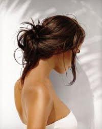 плажни прически - вдигната дълга коса