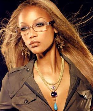 Как да се гримираме ако носим очила
