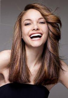 дълга кестенява коса