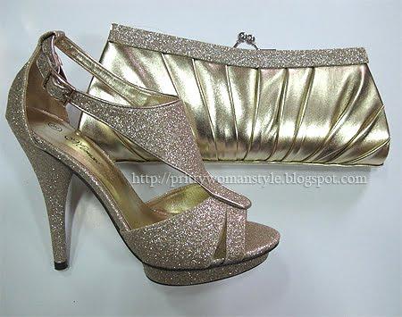 блестящи сандали и златна чанта