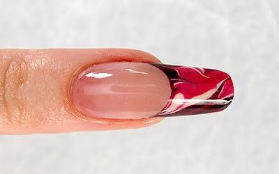 перлен дизайн за ноктопластика и маникюр