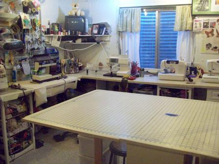 feature room ss organization on machine sewing ideas table