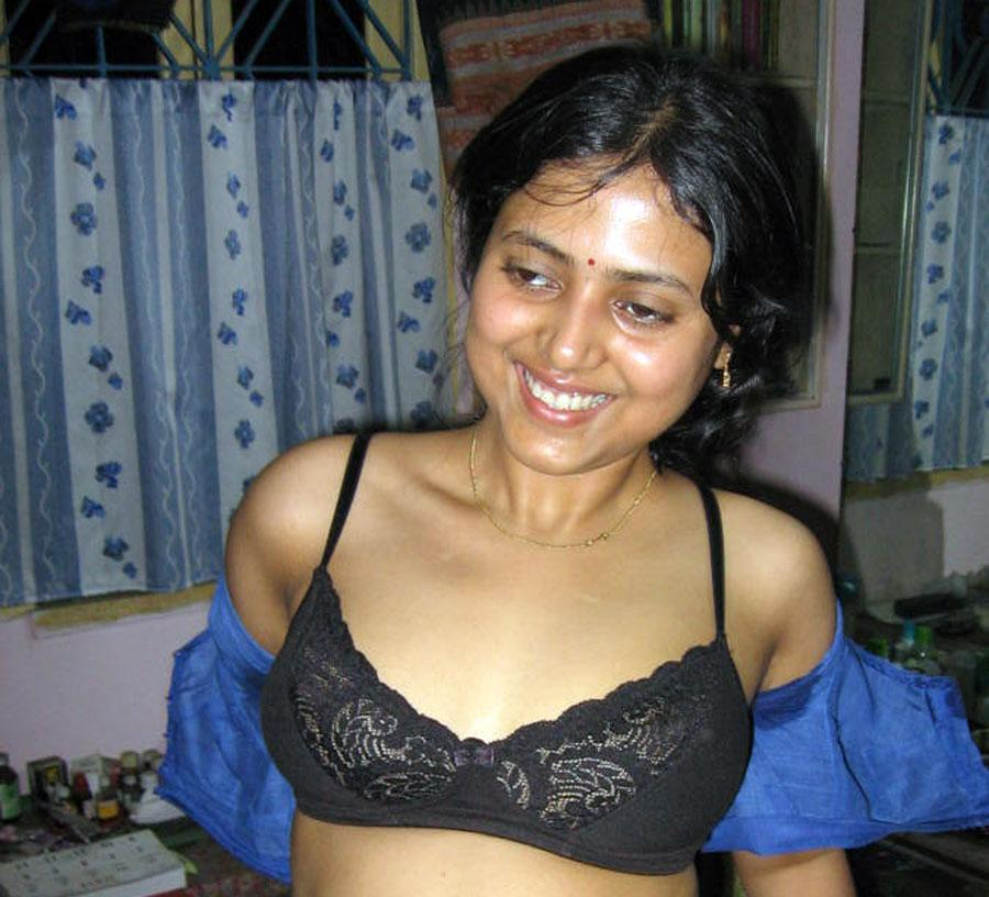 Oriya Aunty Nude Boobs