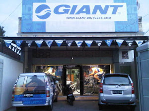 GIANT bike shop BALI