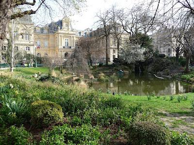 Paris c t jardin semaine sans pesticides les espaces for Espace vert paris
