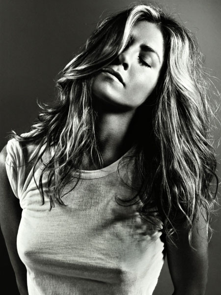 Fotos De Jennifer Aniston Para La Revista Gq En El Suelta