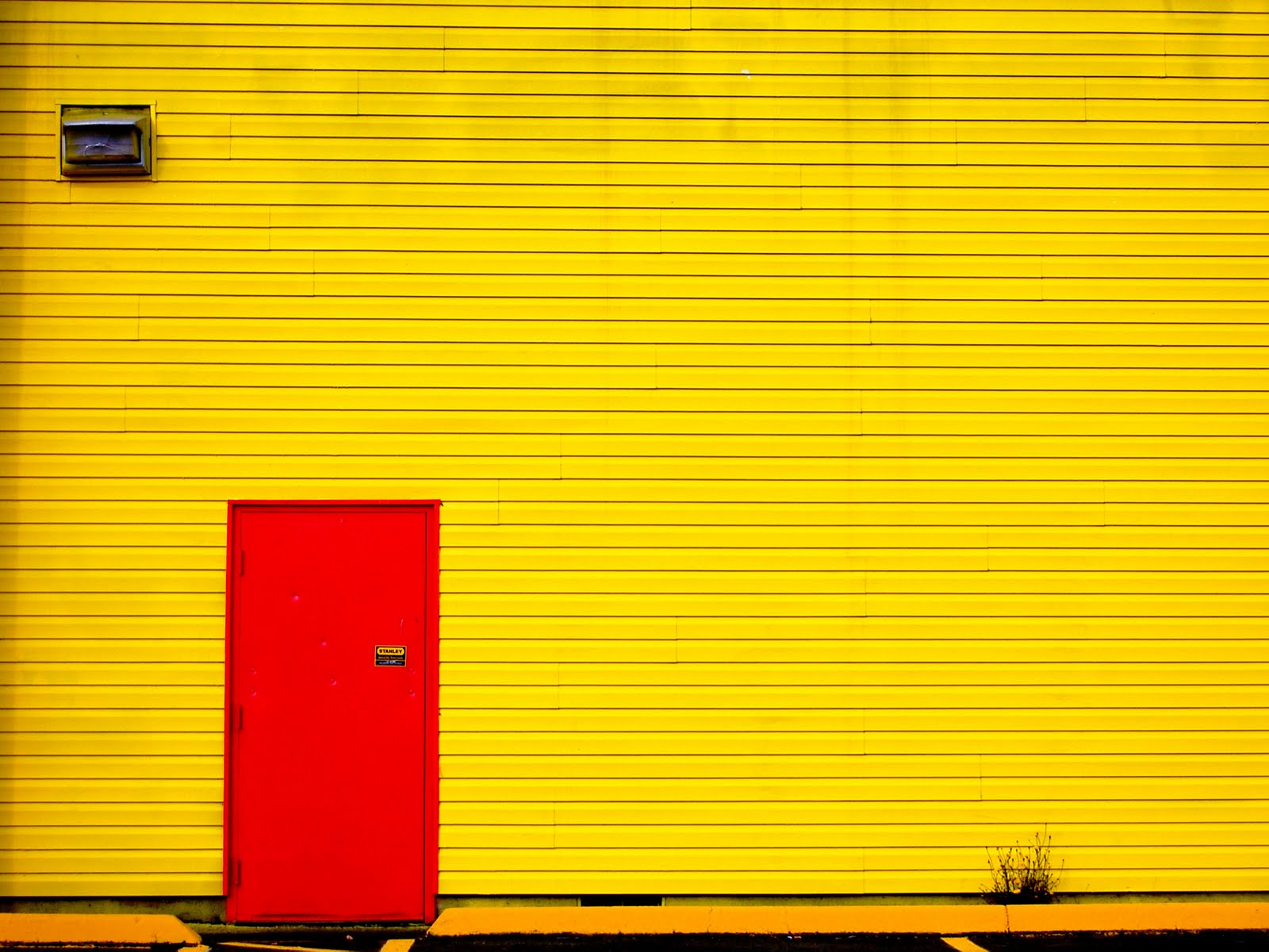 Salem Oregon Daily Photo Diary Big Yellow Wall