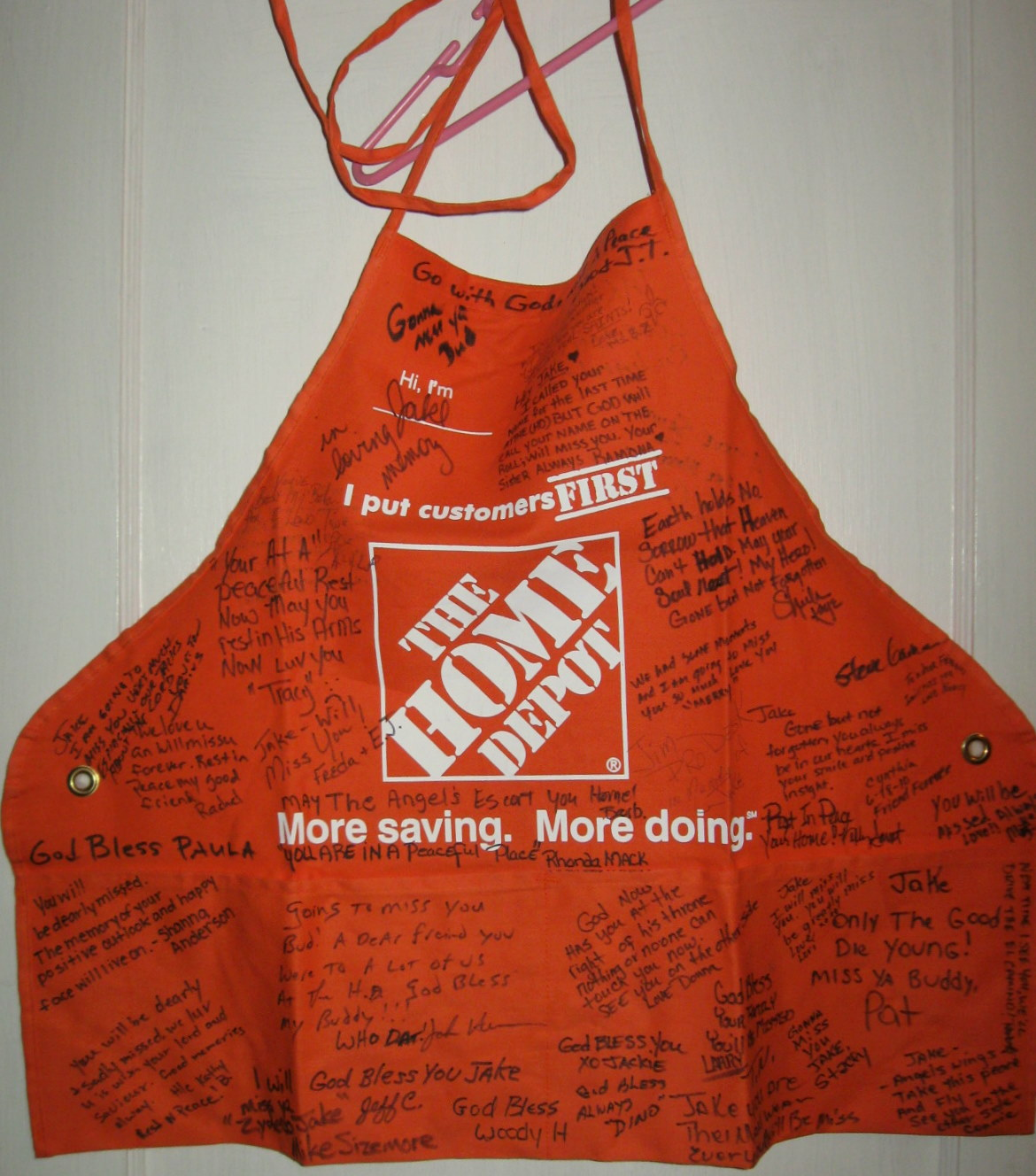 how to wear home depot apron
