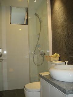 Resale HDB Kitchen + 2 toilet package