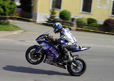www.300zatacek.cz Jonathan Goetschy Yamaha YAM74