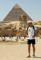 Todo el mundo le teme al tiempo..., pero el tiempo le teme a las pirámides.