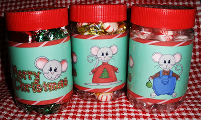 http://craftythisandthat.blogspot.com/2009/12/christmas-jar-labels.html