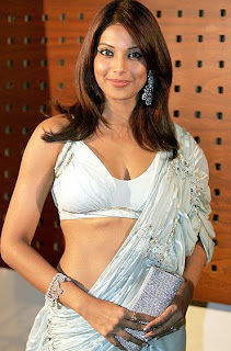 "The image ""http://3.bp.blogspot.com/_KFpt7pcZGQY/SbkVT6CowxI/AAAAAAAAJss/XSX8i2EpSW8/s800/bipasha_basu_hot_saree.jpg"" cannot be displayed, because it contains errors."