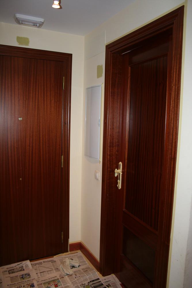 Puertas terciadas y enchapadas car interior design - Precio lacar puertas en blanco ...