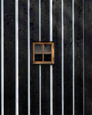 http://3.bp.blogspot.com/_KHkh_jDBxb0/SdiPyTevfiI/AAAAAAAAB9o/f71QKPDrD_k/s400/fujimori-yakisugi-house-charcoal-house-14.jpg