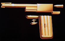 "Un clásico gadget de 1974 en ""The Man with the Golden Gun"""