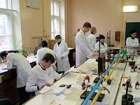 В лаборатории во время проведения экспериментального тура