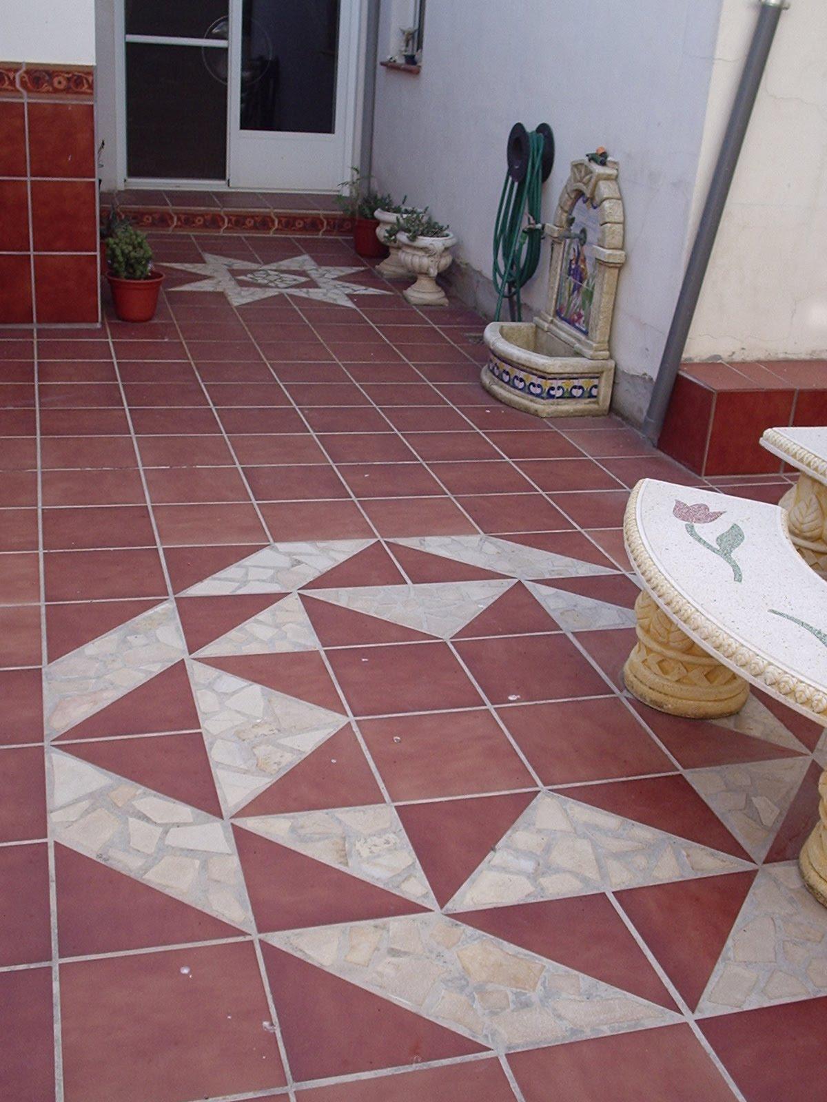 Dibujo de estrella en el suelo del patio de mi casa for Suelos de patios