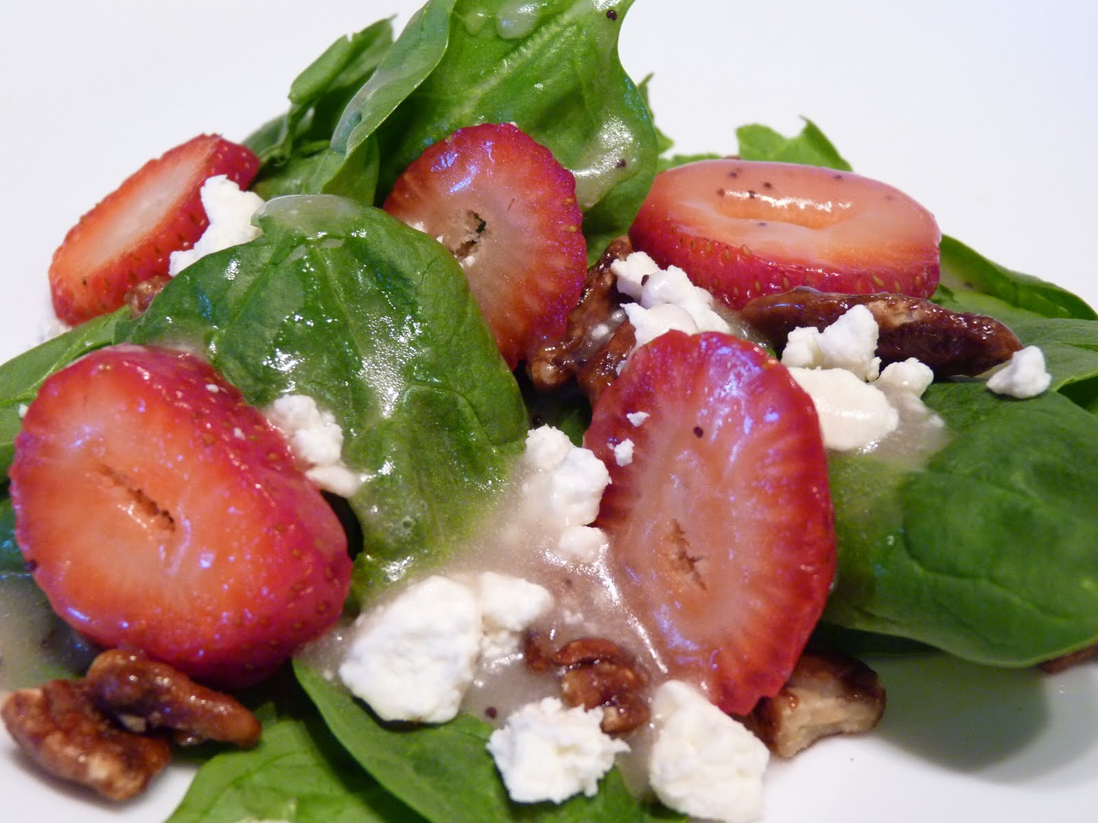 Fantastic Family Favorites: Spinach and Strawberry Salad ...