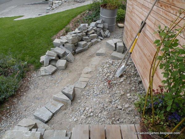 ein schweizer garten 18 tonnen steine. Black Bedroom Furniture Sets. Home Design Ideas