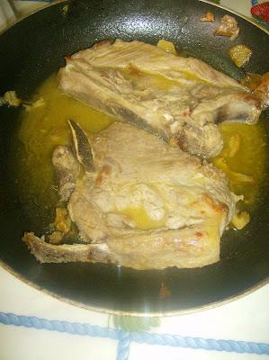 Costeletas/bife  com molho de mostarda (Recomendo) Costoletas+com+molho+de+mostarda1