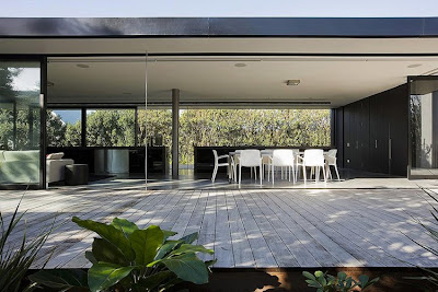 Modern Minimalist House Connected By Floating Pavilion
