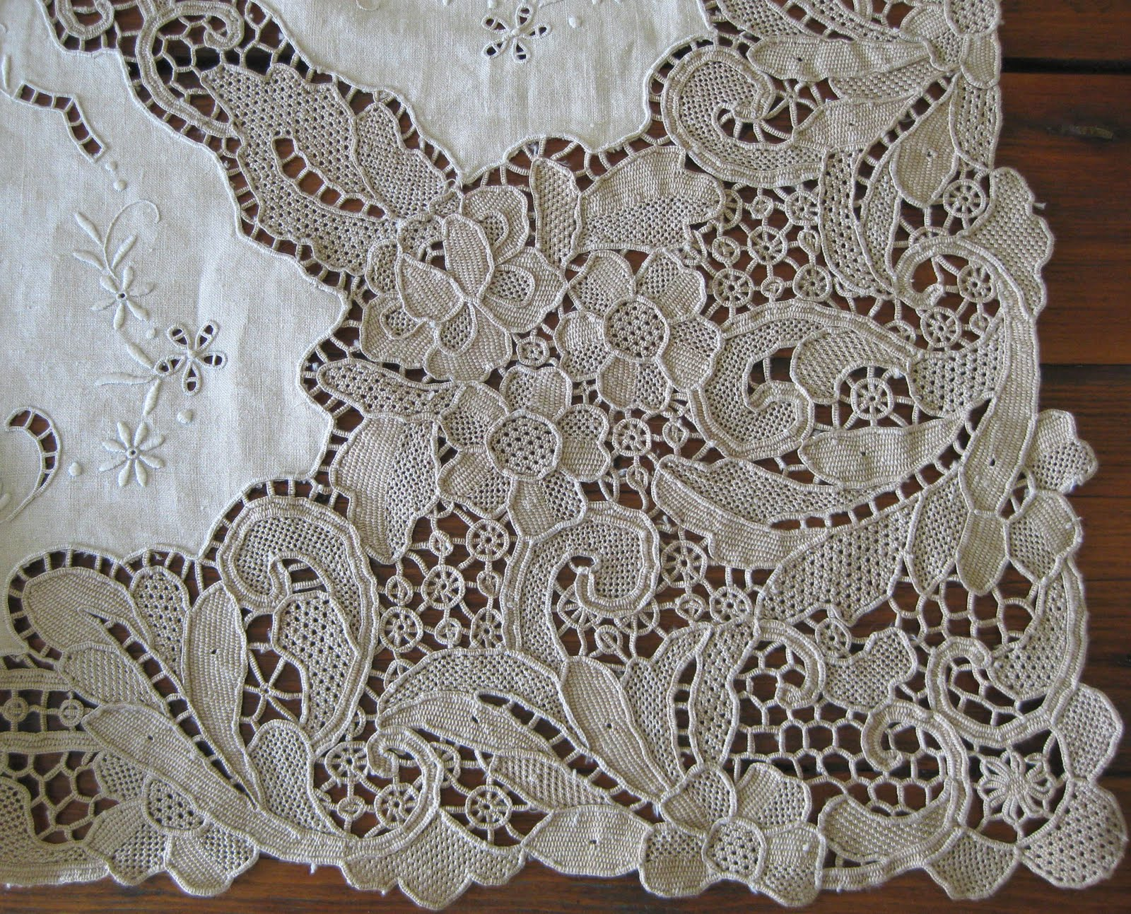Cider Antiques Madeira Table Linens And Italian Lace