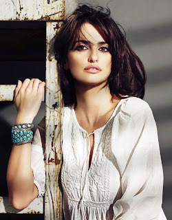 Penelope Cruz in Beautiful Spanish Woman Model Photoshoot
